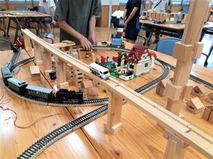 積み木をふんだんに使って街を作ってくれました!
